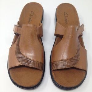 Clarks Women Slip On Brown Leather 7.5M Sandal